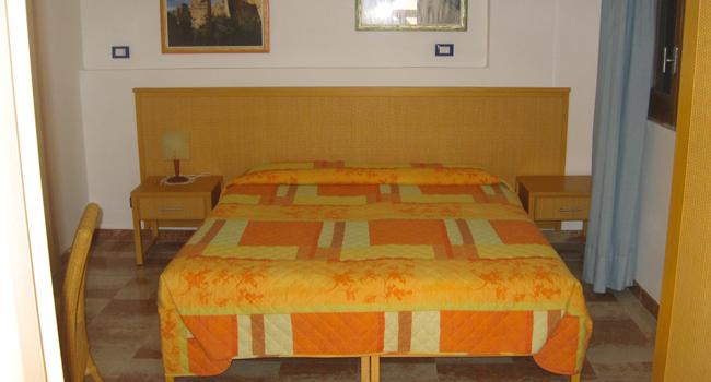 camera-arancio3